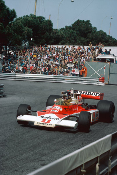 Monte Carlo, Monaco. 27th - 30th May 1976. James Hunt (McLaren M23-Ford), retired, action.  World Copyright: LAT Photographic.  Ref:  76 MON 71.
