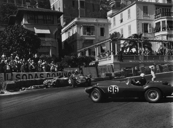 Monte Carlo, Monaco. 2nd June 1952 Robert Manzon (#56 Gordini T15S 2 3), retired, is hit by Anthony Hume (#84 Allard J2X Chrysler), retired, as Piero Carini (#96 Ferrari 340 America Fontana), retired, spins trying to avoid both cars, action. World Copyright: LAT Photographic Ref: B/W Print