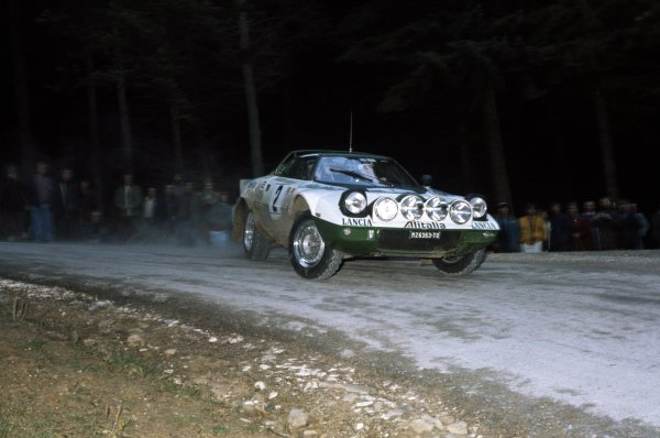 1975 World Rally Championship.Lombard RAC Rally, Great Britain. 22-26 November 1975.Bjorn Waldegaard/Hans Thorszelius (Lancia Stratos), retired.World Copyright: LAT PhotographicRef: 35mm transparency 75RALLY10