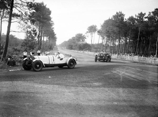 Boris Ivanowski / Henri Stoffel, Mercedes-Benz SSK, leads Edouard Brisson / Joseph Cattanéo, Stutz DV 32.
