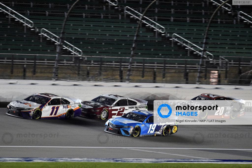 #11: Denny Hamlin, Joe Gibbs Racing, FedEx Office Toyota Camry and #19: Martin Truex Jr., Joe Gibbs Racing, Auto Owner's Insurance Toyota Camry