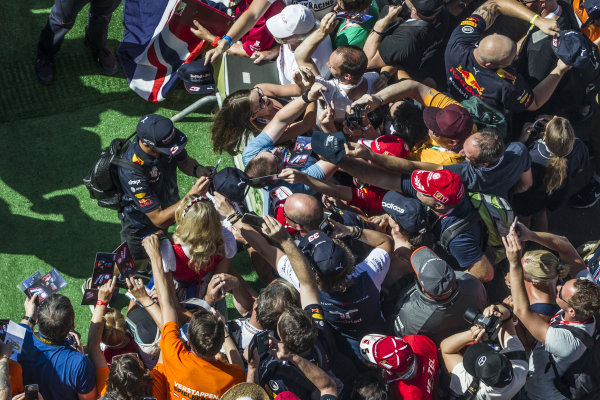 Daniel Ricciardo (AUS) Red Bull Racing signs autographs for the fans at Formula One World Championship, Rd9, Austrian Grand Prix, Race, Spielberg, Austria, Sunday 9 July 2017.