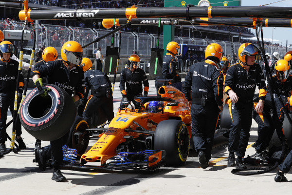 Fernando Alonso, McLaren MCL33, retires from the race.