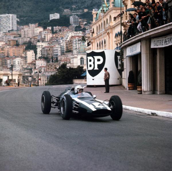 Monte Carlo, Monaco.31/5-3/6 1962.Bruce McLaren (Cooper T60 Climax) 1st position.Ref-3/0513.World Copyright - LAT Photographic
