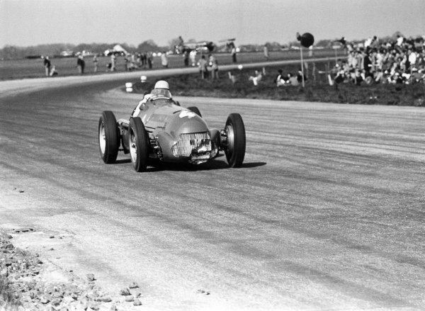 1950 British Grand Prix.Silverstone, Great Britain. 13th May 1950.Reg Parnell (Alfa Romeo 158), 3rd position. The front radiator of his car is damaged having hit a hare during the race.World Copyright: LAT Photographic.ref: 30/13/29A