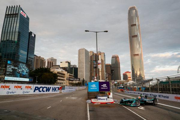 2017/2018 FIA Formula E Championship. Round 1 - Hong Kong, China. Saturday 02 December 2017.Oliver Turvey (GBR), NIO Formula E Team, NextEV NIO Sport 003. Photo: Sam Bloxham/LAT/Formula E ref: Digital Image _J6I3772