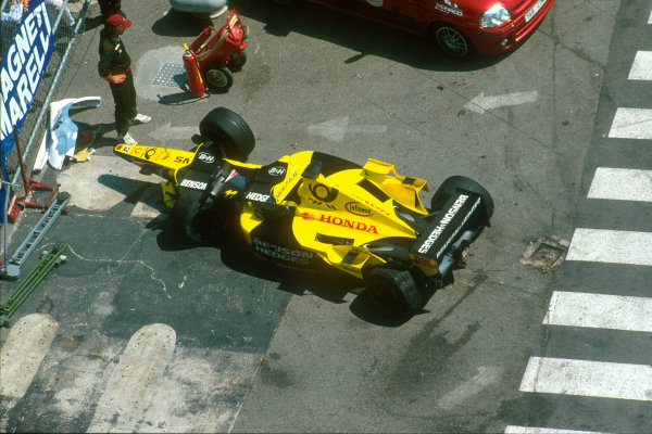 Monte Carlo, Monaco. 29th May 2001. The Jordan Honda EJ11 of Heinz Harald Frentzen after his accident at the exit of the tunnel.World Copyright: Steven Tee/LAT Photographic ref: 35mm Priority Image 01MON14