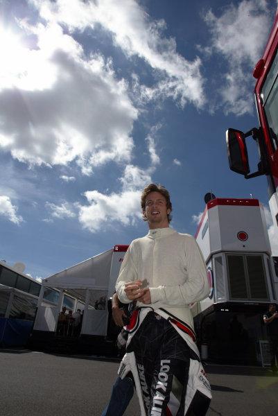 2004 British Grand Prix - Friday Practice, Silverstone, Britain. 09th July 2004 Jenson Button, BAR Honda 006, portrait.World Copyright: Steve Etherington/LAT Photographic ref: Digital Image Only