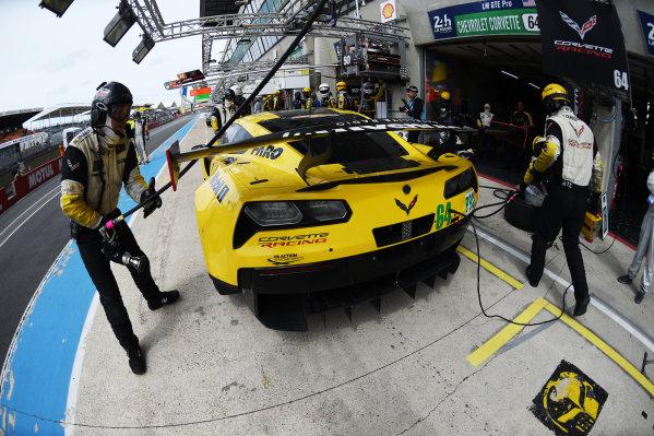 2017 Le Mans 24 Hours test day. Circuit de la Sarthe, Le Mans, France. Sunday 4 June 2017 #64 Corvette Racing Corvette C7.R: Oliver Gavin, Tommy Milner, Marcel Fassler World Copyright: Rainier Ehrhardt/LAT Images ref: Digital Image 24LM-testday-re-3167