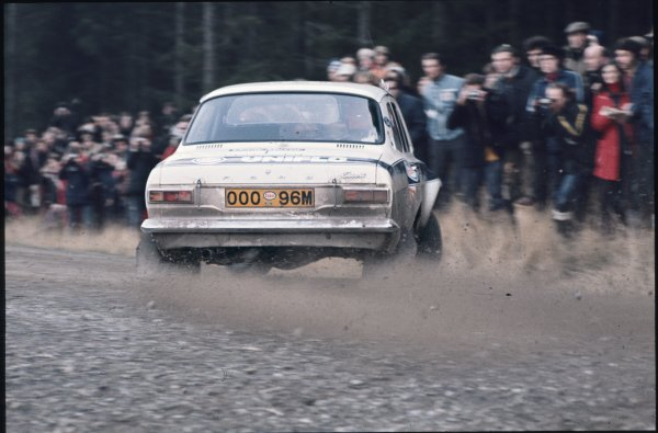 1973 World Rally Championship.RAC Rally, Great Britain. 17th - 21st November 1973.Roger Clark/Tony Mason (Ford Escort RS1600), 2nd position, action.World Copyright: LAT PhotographicRef: 35mm Colour Transparency