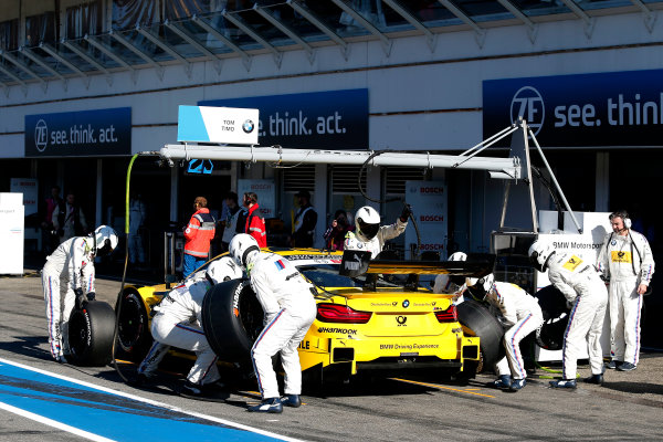 2017 DTM Round 9  Hockenheimring, Germany  Saturday 14 October 2017. Pit stop, Timo Glock, BMW Team RMG, BMW M4 DTM  World Copyright: Alexander Trienitz/LAT Images ref: Digital Image 2017-DTM-HH2-AT2-0685
