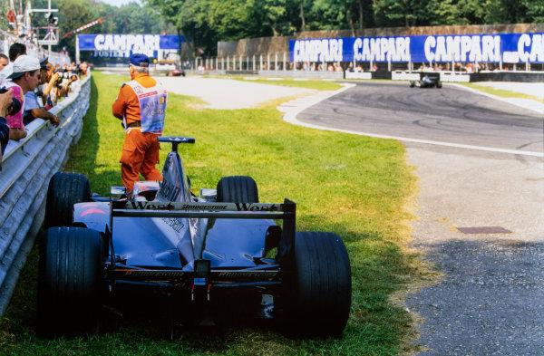 1999 Italian Grand Prix. Monza, Italy. 10th - 12th September 1999. Mika Hakkinen (McLaren MP4/14-Mercedes), retired action.  World Copyright: LAT Photographic.  Ref:  99ITA89.