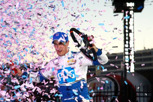6-7 October, 2016, Concord, North Carolina USA Joey Logano in victory lane ?2016, Lesley Ann Miller LAT Photo USA