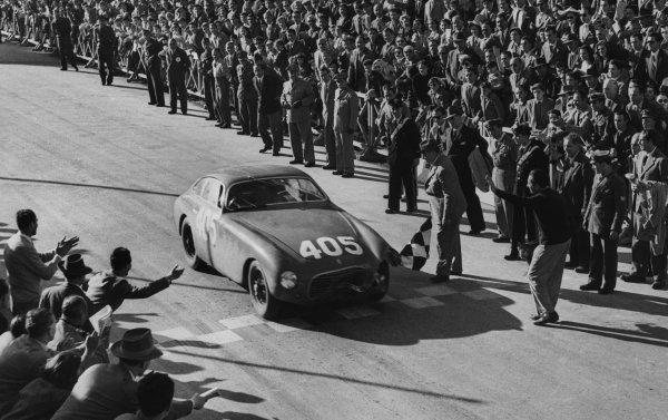 Brescia-Rome-Brescia, Italy. 29th April 1951 Luigi Villoresi/Piero Cassani (Ferrari 340 America Berlinetta Vignale), 1st position,  crosses the finish line, action. World Copyright: LAT Photographic Ref:  B/W Print