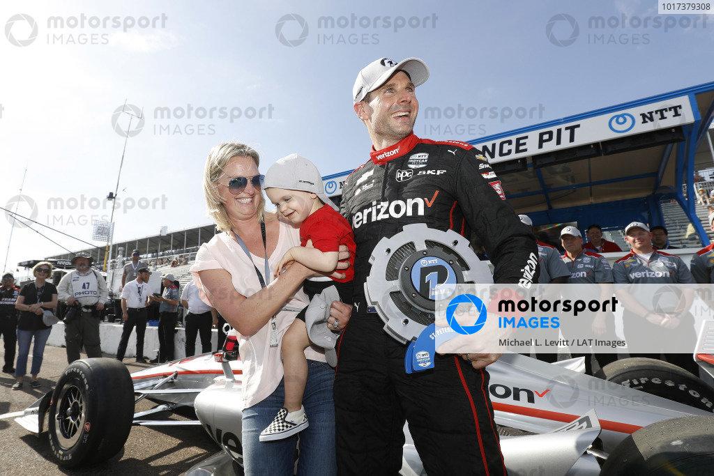NTT P1 Award winner and polesitter Will Power with son Beau William and wife Liz
