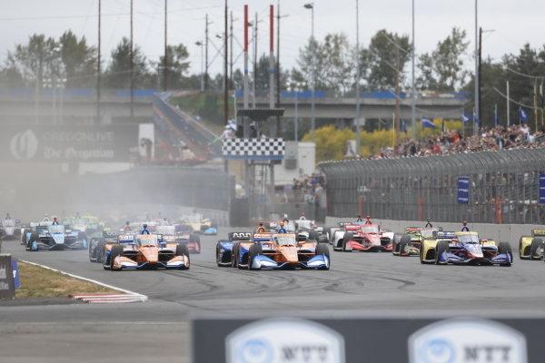 #9: Scott Dixon, Chip Ganassi Racing Honda, #10: Alex Palou, Chip Ganassi Racing Honda, green flag, start