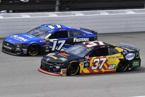 #37: Chris Buescher, JTG Daugherty Racing, Chevrolet Camaro Kroger Fast Start and #17: Ricky Stenhouse Jr., Roush Fenway Racing, Ford Mustang Fastenal