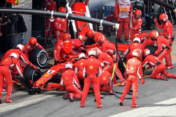 Sebastian Vettel (GER) Ferrari SF-71H pit stop