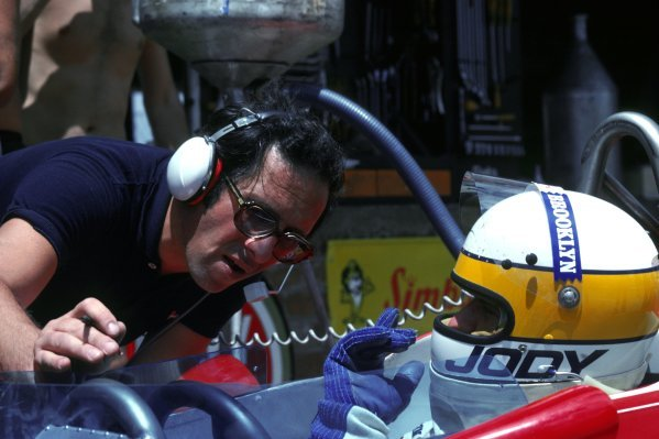 (L to R): Mauro Forghieri (ITA) Ferrari Designer talks with Jody Scheckter (RSA) Ferrari 312T4, who finished second in his home GP. South African Grand Prix, Rd 3, Kyalami, South Africa, 3 March 1979.