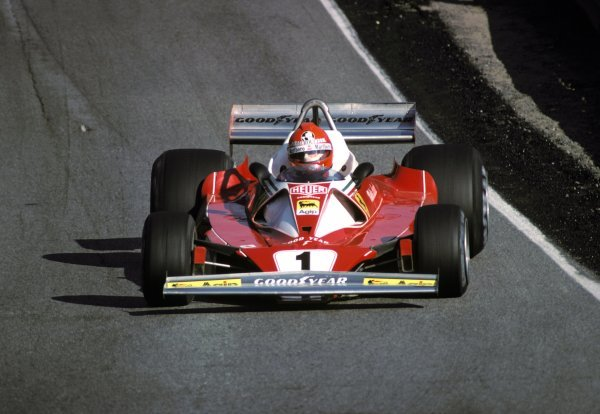 Niki Lauda (AUT) Ferrari 312T2 was running in sixth position before handling problems relegated him to eighth position by the finish.Canadian Grand Prix, Rd14, Mosport Park, Canada, 3 October 1976.BEST IMAGE