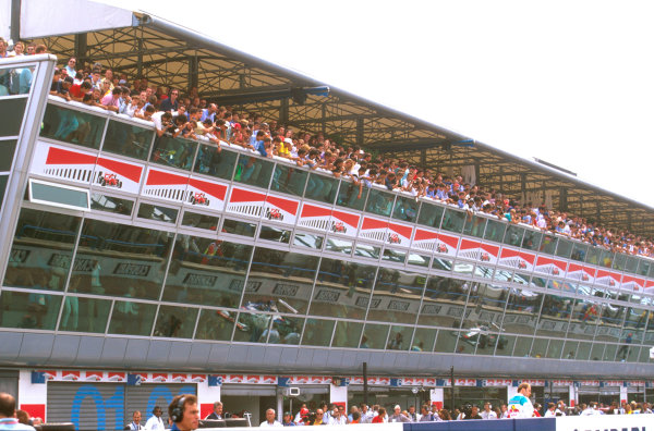 Monza, Italy.5-7 September 1997.The grandstand above the pit garages on the start-finish straight packed with fans.Ref-97 ITA 08.World Copyright - LAT Photographic