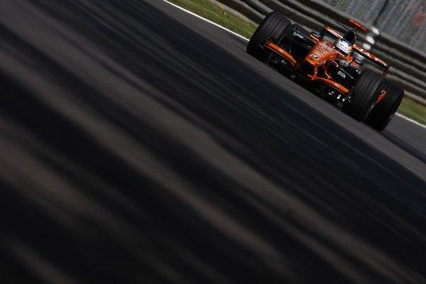 2007 Italian Grand Prix - Friday PracticeAutodromo di Monza, Monza, Italy.7th September 2007.Adrian Sutil, Spyker F8-VII Ferrari. Action. World Copyright: Lorenzo Bellanca/LAT Photographicref: Digital Image _64I4958