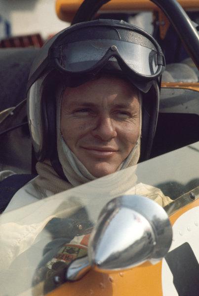 Monza, Italy. 7 September 1969.Bruce McLaren, McLaren M7C-Ford, 4th position, portrait. World Copyright: LAT PhotographicRef: 69 ITA