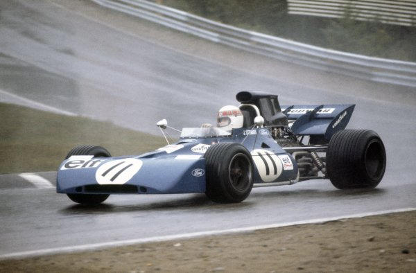 1971 Canadian Grand Prix.Mosport Park, Canada. 19 September 1971.  Jackie Stewart, Tyrrell 003-Ford, 1st position.  Ref: 71CAN52. World Copyright: LAT Photographic