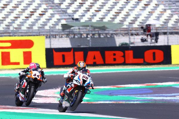Michael van der Mark, BMW Motorrad WorldSBK Team, Lucas Mahias, Kawasaki Puccetti Racing.