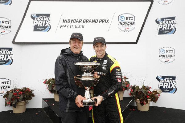 Simon Pagenaud, Team Penske Chevrolet, podium, John Menard