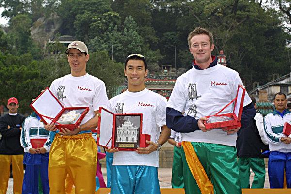 2001 Macau Grand Prix.Winners of the Martial Arts Tournament.Takuma Sato1st, Gordon Shedden 2nd and Mark Miller 3rd.Circuit de Guia, Macau.14th November 2001.World Copyright: Spinney/LAT Photographic.Ref.:8 5mb Digital Image.