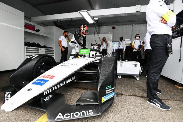 Norman Nato (FRA), Venturi Racing, climbs into his car
