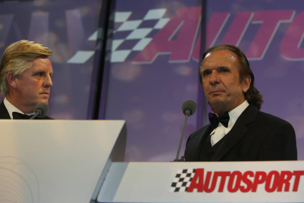 2002 Autosport Awards.Steve Rider and Emerson Fittipaldi.Grosvenor Hotel, London, England.1st December 2002.World Copyright: Spinney/LAT Photographic.Ref.: Digital Image Only