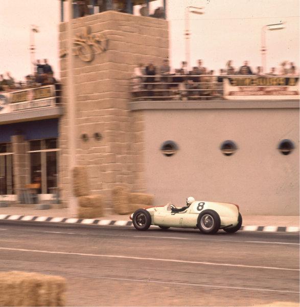 1960 Portuguese Grand Prix. Porto, Portugal. 12-14 August 1960. Olivier Gendebien (Cooper T51 Climax) 7th position. Ref-3/0202. World Copyright - LAT Photographic