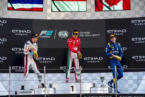 2017 FIA Formula 2 Round 11. Yas Marina Circuit, Abu Dhabi, United Arab Emirates. Sunday 26 November 2017. Alexander Albon (THA, ART Grand Prix), Charles Leclerc (MCO, PREMA Racing), Nicholas Latifi (CAN, DAMS).  Photo: Zak Mauger/FIA Formula 2. ref: Digital Image _56I2543