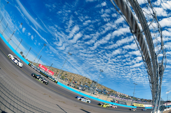 Monster Energy NASCAR Cup Series Can-Am 500 Phoenix Raceway, Avondale, AZ USA Sunday 12 November 2017 Brad Keselowski, Team Penske, Miller Lite Ford Fusion and Kurt Busch, Stewart-Haas Racing, Monster Energy/Haas Automation Ford Fusion World Copyright: Nigel Kinrade LAT Images