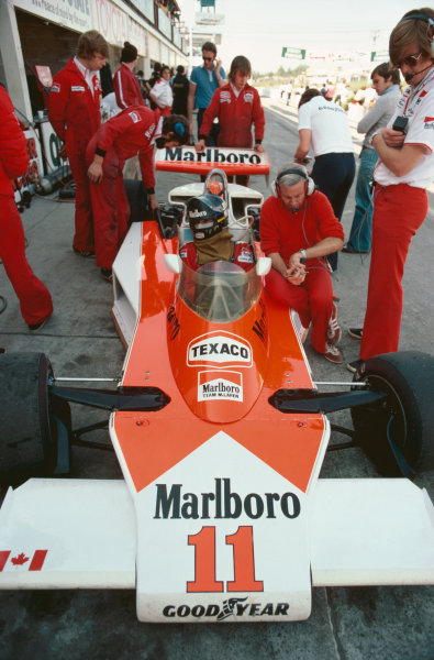 Mosport Park, Ontario, Canada. 1st - 3rd October 1976. James Hunt (McLaren M23-Ford), 1st position, with Teddy Mayer and Alastair Caldwell, portrait.  World Copyright: LAT Photographic.  Ref:  76 CAN 16.