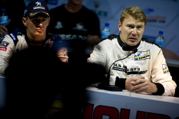 6 Hours of Zhuhai.Zhuhai, China. 11th - 13th November 2011. Mika Hakkinen Team AMG China, Mercedes SLS AMG GT3 in the press conference. Portrait. Drew Gibson/LAT Photographic. ref: Digital Image _Y2Z3776