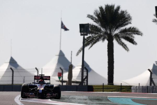 Yas Marina Circuit, Abu Dhabi, United Arab Emirates. Wednesday 26 November 2014. Max Verstappen, Toro Rosso STR9 Renault.  World Copyright: Sam Bloxham/LAT Photographic. ref: Digital Image _SBL9030