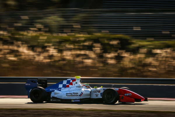 JEREZ (ESP) MRT 4-6 2015 - First collective test of the World Series by Renault 2015 at Circuito Permanente de Jerez. Oliver Rowland #4 Fortec. Action. © 2015 Diederik van der Laan  / Dutch Photo Agency / LAT Photographic