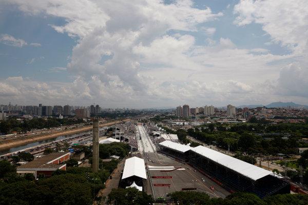 13-14 March, 2010, Sao Paulo, BrazilParade lap with Sao Paulo skyline©2010, Michael L. Levitt, USALAT Photographic