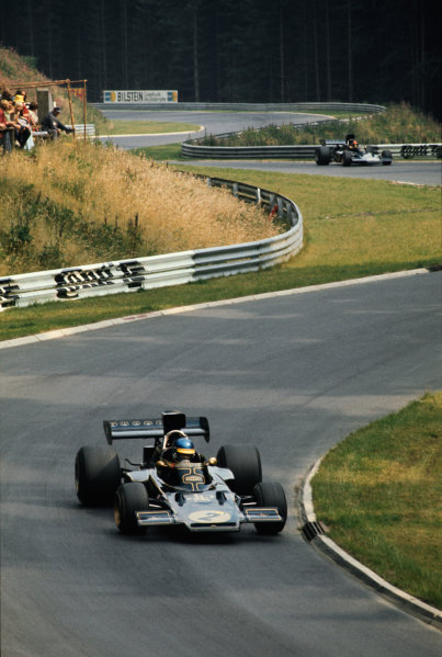 1973 German Grand Prix.  Nurburgring, Germany. 3-5th August 1973.  Ronnie Peterson, Lotus 72D-Ford, leads Emerson Fittpaldi, Lotus 72E-Ford.  Ref: 73GER27. World Copyright: LAT Photographic