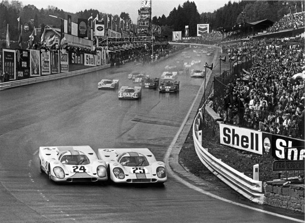 1970 Spa-Francorchamps 1000 kms. Spa-Francorchamps, Belgium. 17th May 1970. Rd 6. Jo Siffert / Brian Redman (Porsche 917K), 1st position, side by side with Pedro Rodriguez / Leo Kinnunen (Porsche 917K), retired, at the start of the race, action.  World Copyright: LAT Photographic Ref: L70 - 450 - 2.