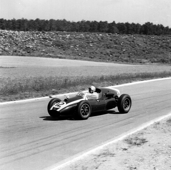 1959 French Grand Prix.Reims, France.3-5 July 1959.Bruce McLaren (Cooper T45 Climax) 5th position.Ref-4401.World Copyright - LAT Photographic