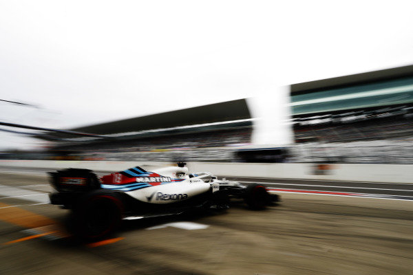 Lance Stroll, Williams FW41, leaves the pits.