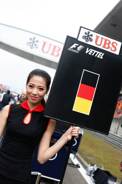 Shanghai International Circuit, Shanghai, China. Sunday 20 April 2014. Grid Girl. World Copyright: Alastair Staley/LAT Photographic. ref: Digital Image _79P5696