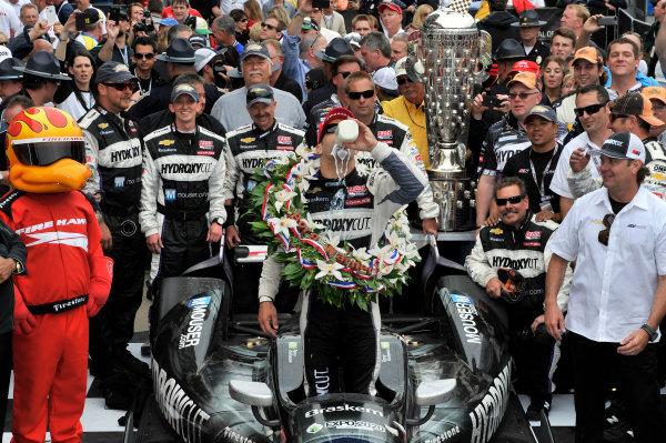 26 May, 2013, Indianapolis, Indiana, USA Tony Kanaan celebrates the win in victory lane by drinking milk ©2013, Scott R LePage LAT Photo USA