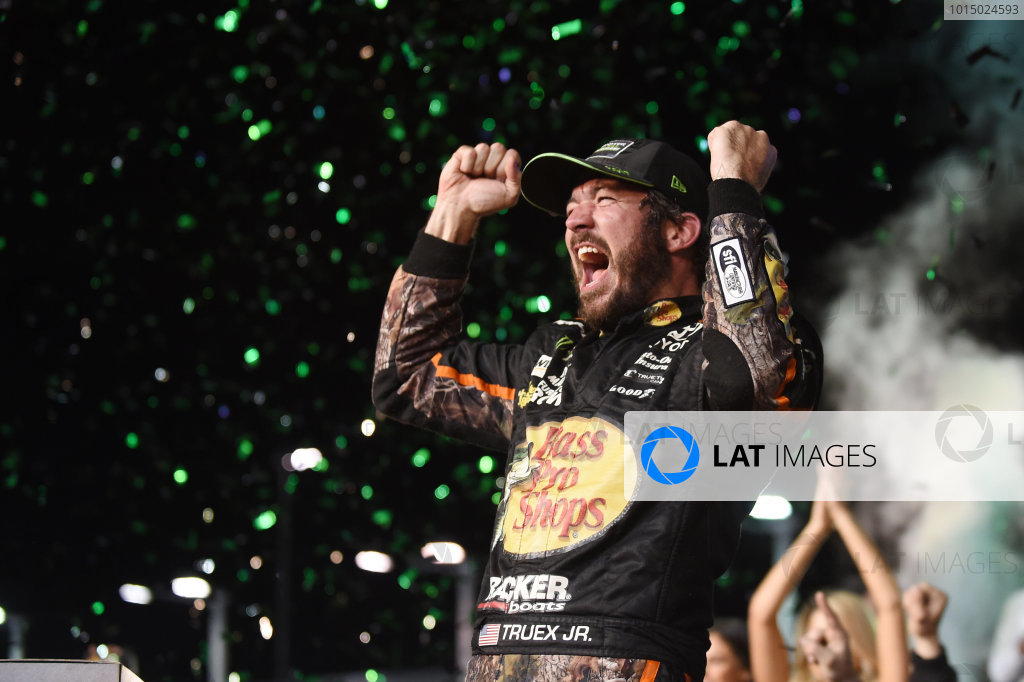Monster Energy NASCAR Cup Series Homestead-Miami Speedway, Homestead, Florida USA Sunday 19 November 2017 2017 champion Martin Truex Jr, Furniture Row Racing World Copyright: Rainier Ehrhardt / LAT Images ref: Digital Image cup-homestead-race-2081