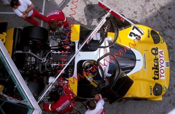 Mechanics work on the Toyota 89 CV of Johnny Dumfries (GBR). World Sportscar Championship, 1989. BEST IMAGE