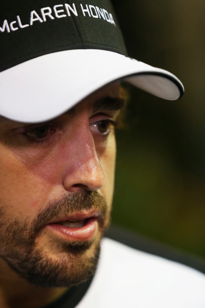 Marina Bay Circuit, Singapore. Friday 18 September 2015. Fernando Alonso, McLaren. World Copyright: Alastair Staley/LAT Photographic ref: Digital Image _R6T4549